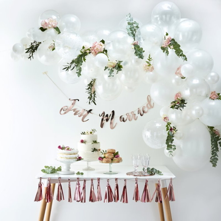 Picture of Ginger Ray® Balloon arch Kit White
