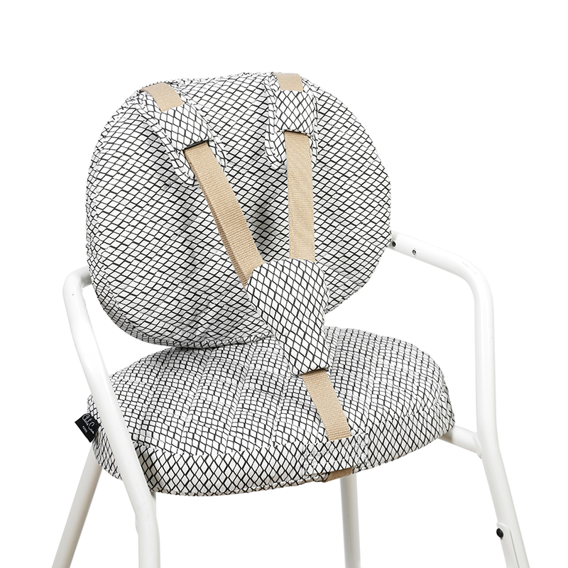 Picture of Charlie Crane®  Diamond B&W Cushions