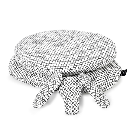 Picture of Charlie Crane®  Diamond B&W Cushions