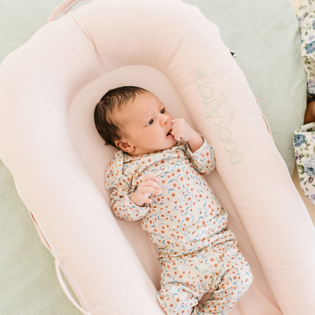 Picture of DockAtot® Deluxe+ Dock Strawberry Cream (0-8m)