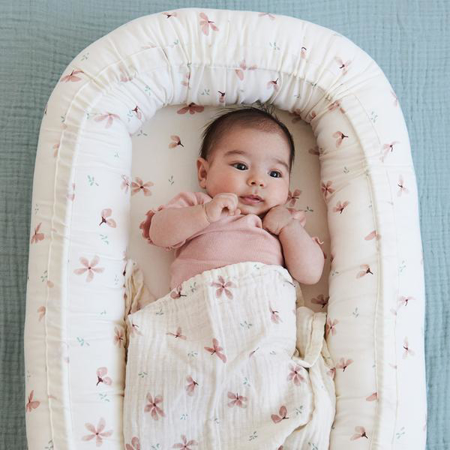 Picture of CamCam® Baby Nest Windflower Creme