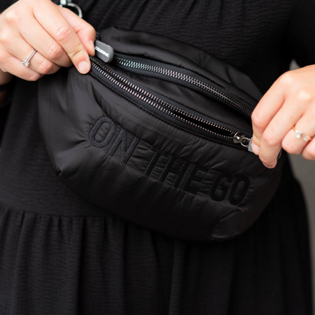 Picture of Childhome® Banana bag On the Go Hip Bag Zwart